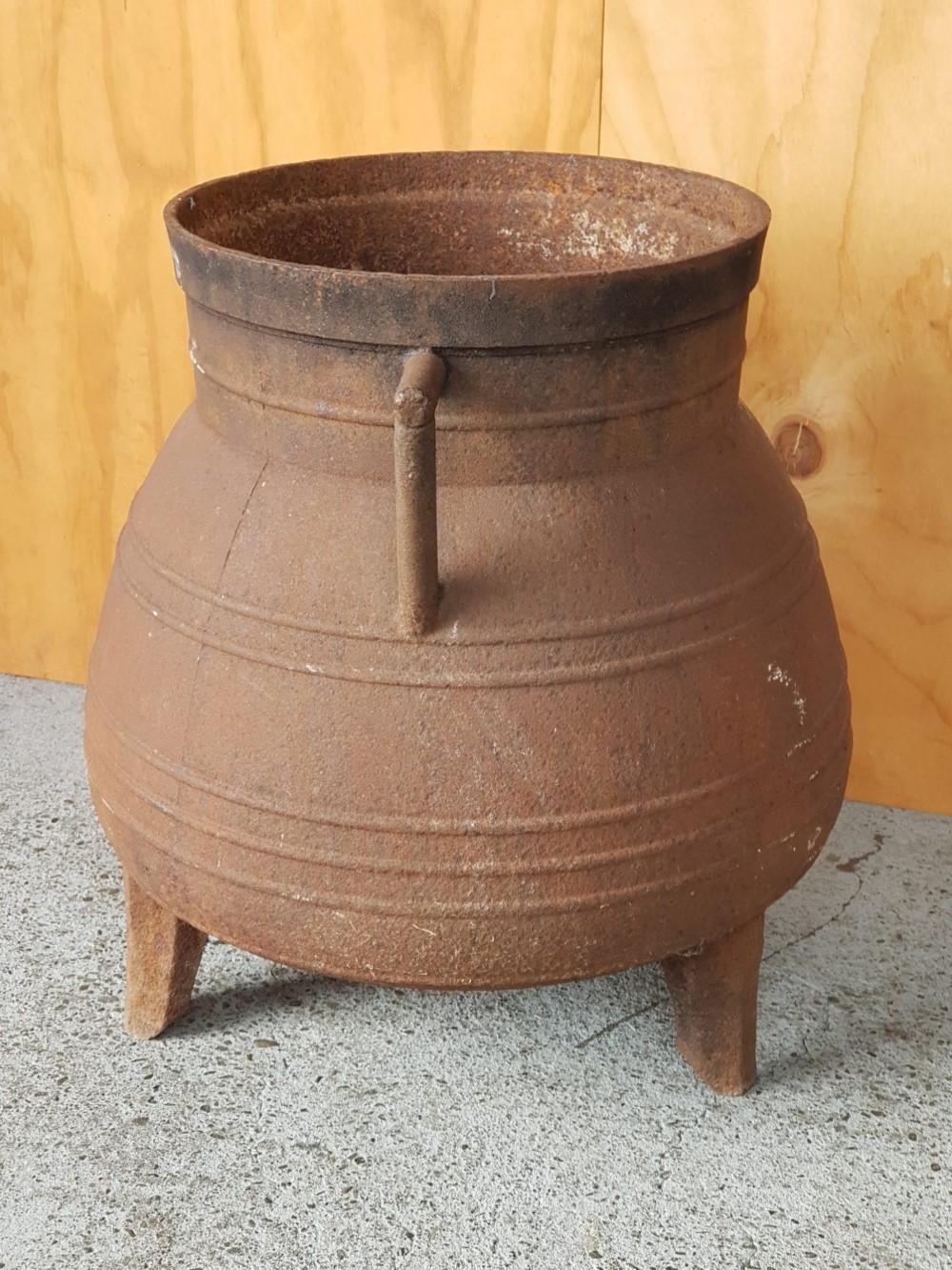 Cast-iron-pot