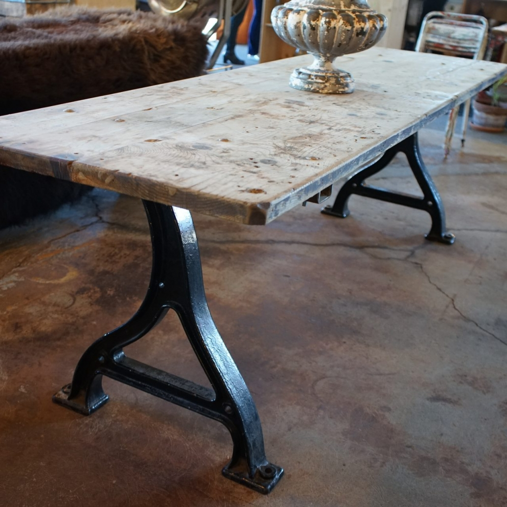 Baltic-Pine-Industrial-Table-with-cast-Iron-Base2