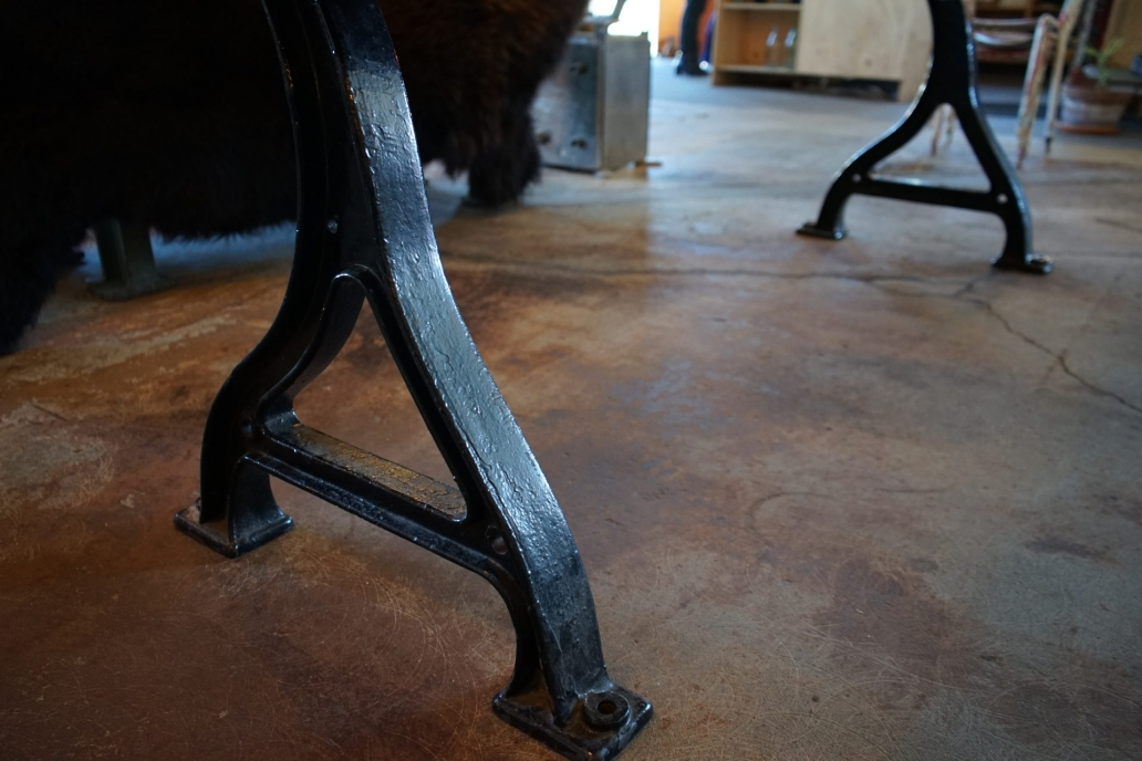 Baltic-Pine-Industrial-Table-with-cast-Iron-Base4