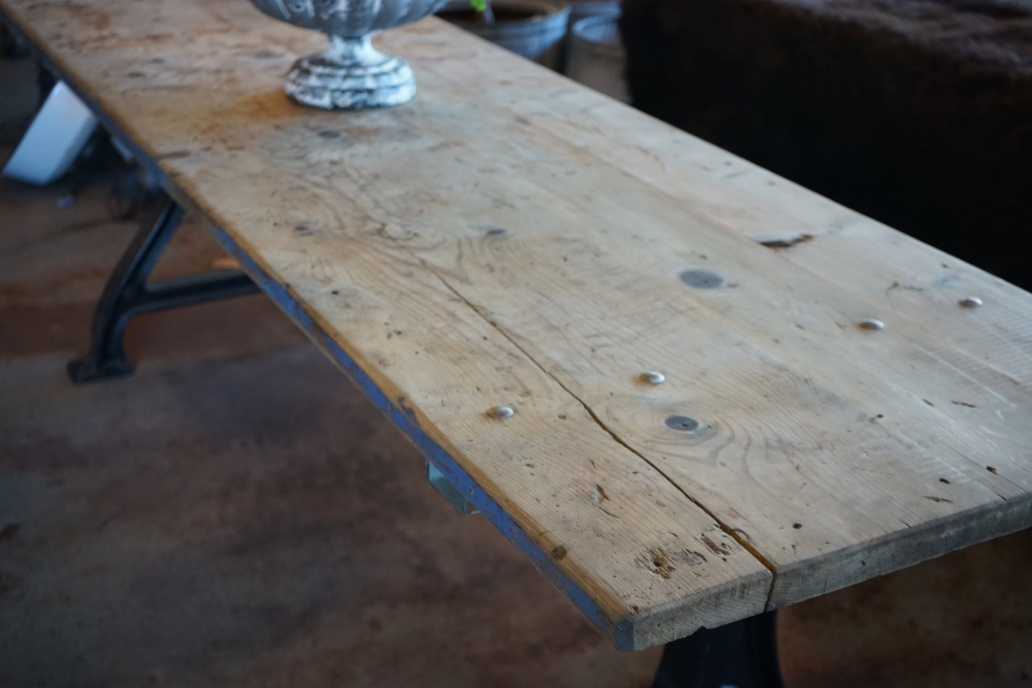 Baltic-Pine-Industrial-Table-with-cast-Iron-Base6