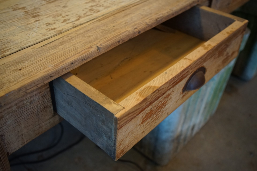 Baltic-Pine-Table-3-Draw-Table1