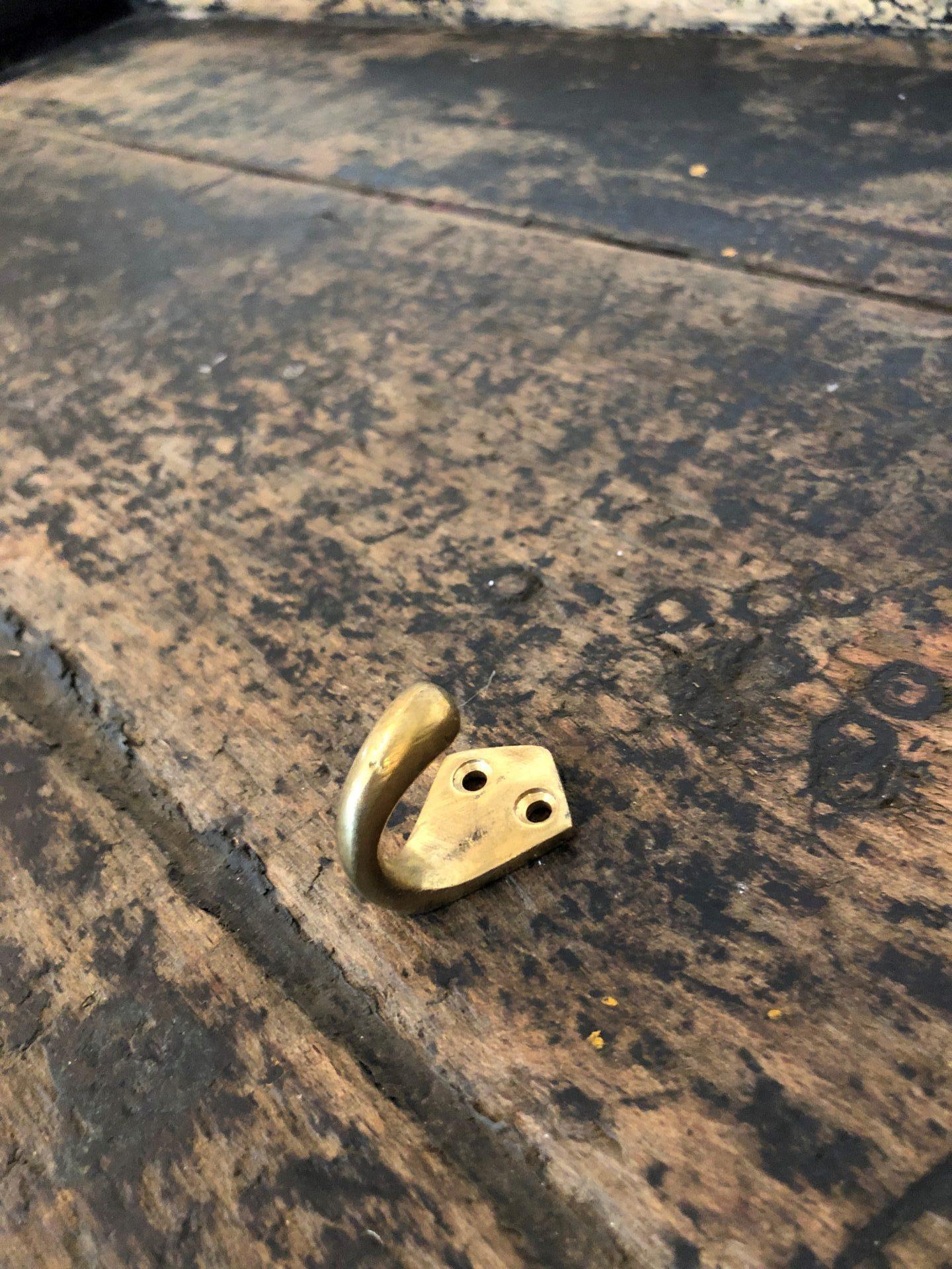 Brass-Small-Ship-Hooks2
