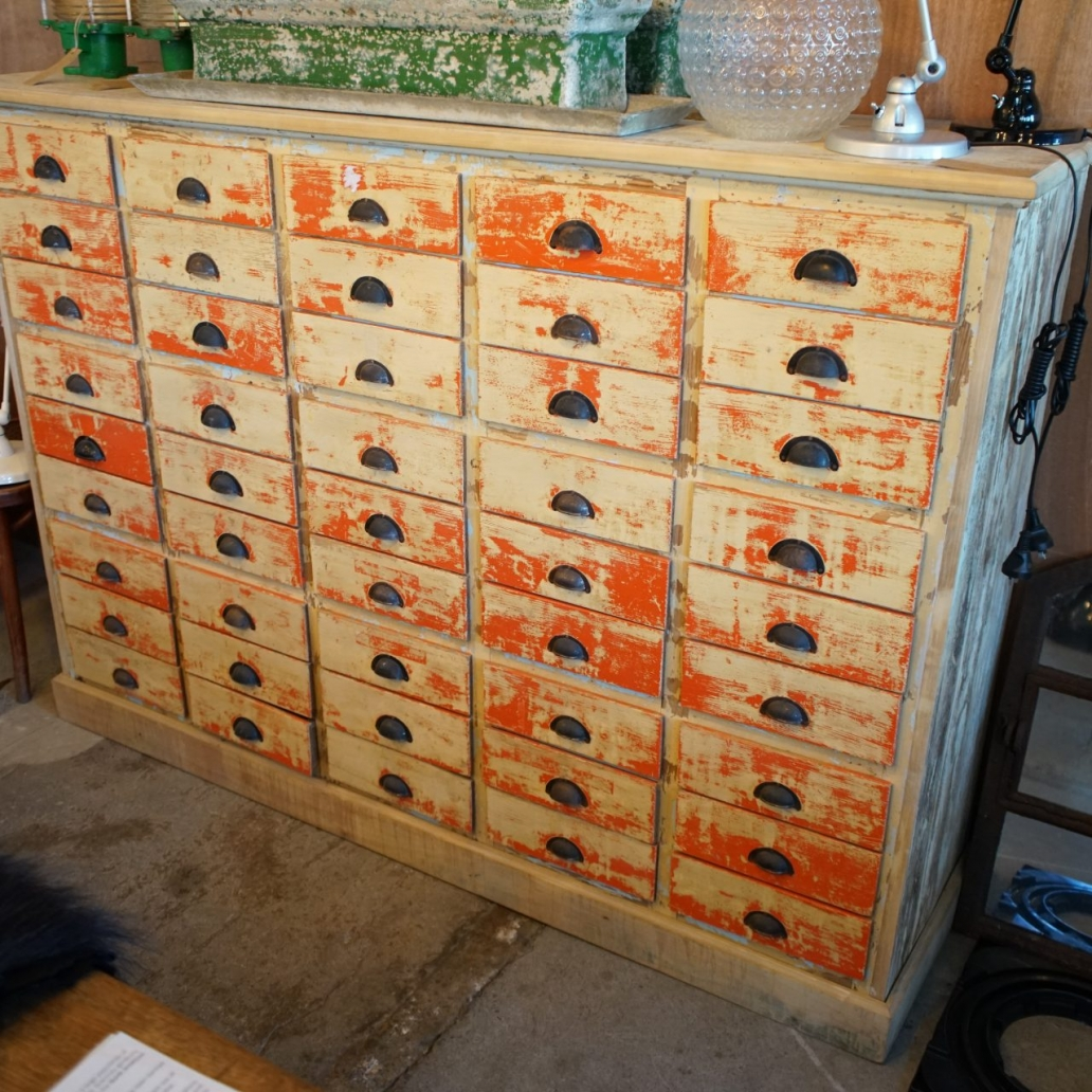 German-Apothecary-Bank-of-Drawers2