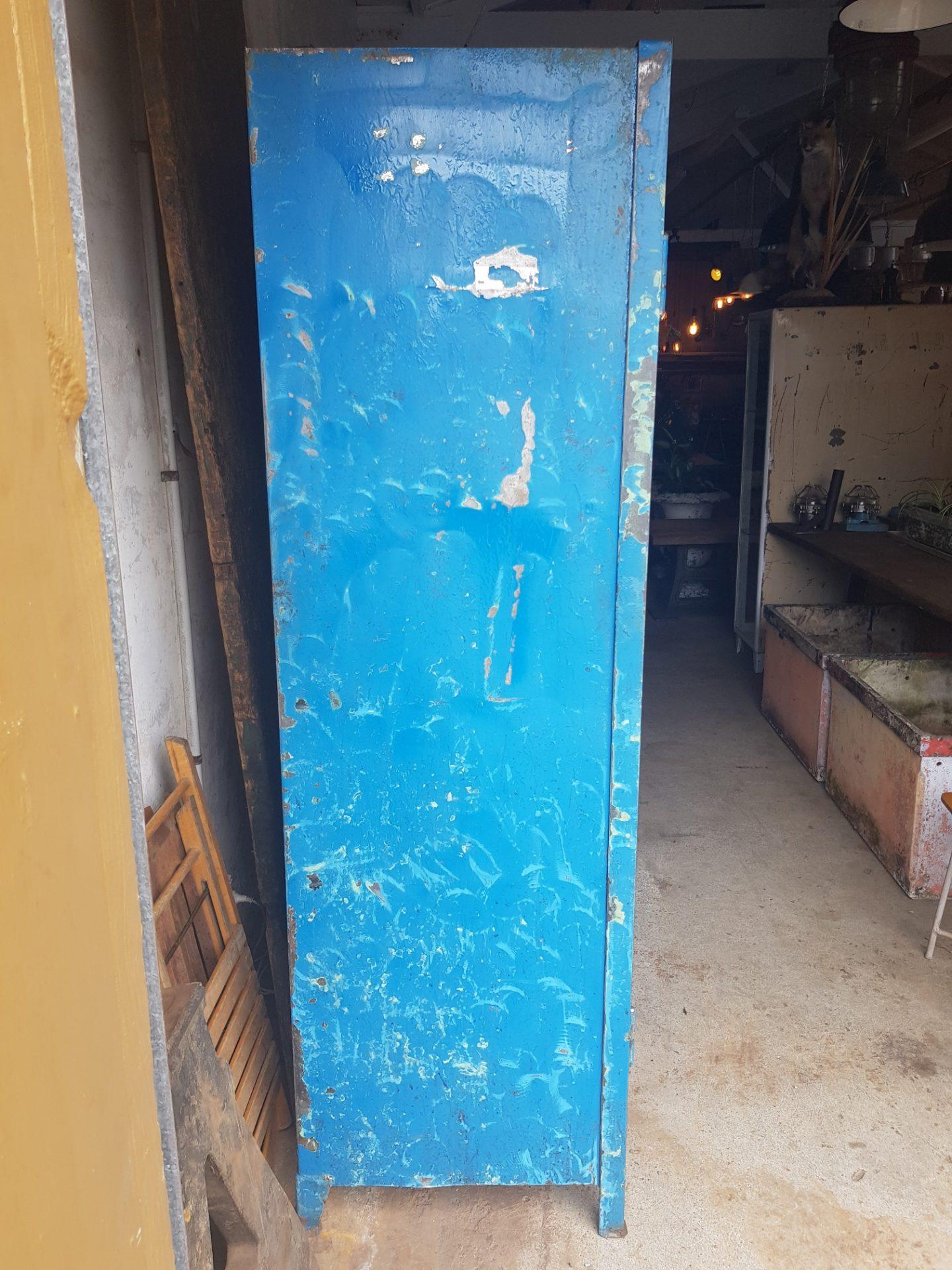 Blue-cabinet1