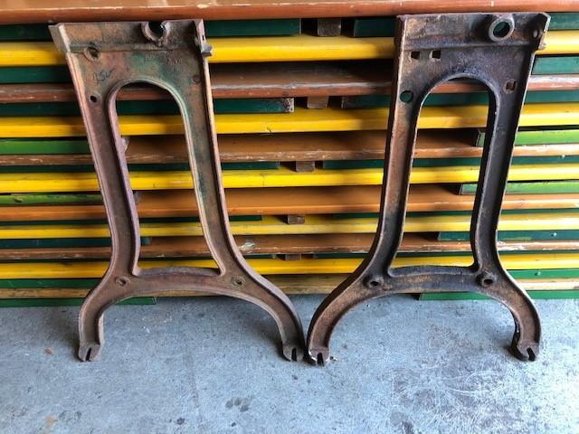 Light-Industrial-cast-iron-Legs