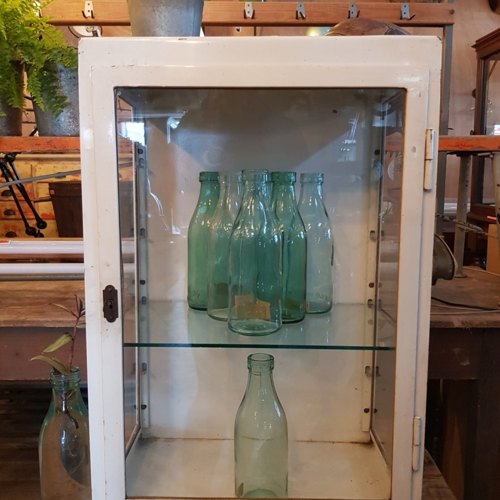 Mini-1950s-Polish-Medical-Cabinet1