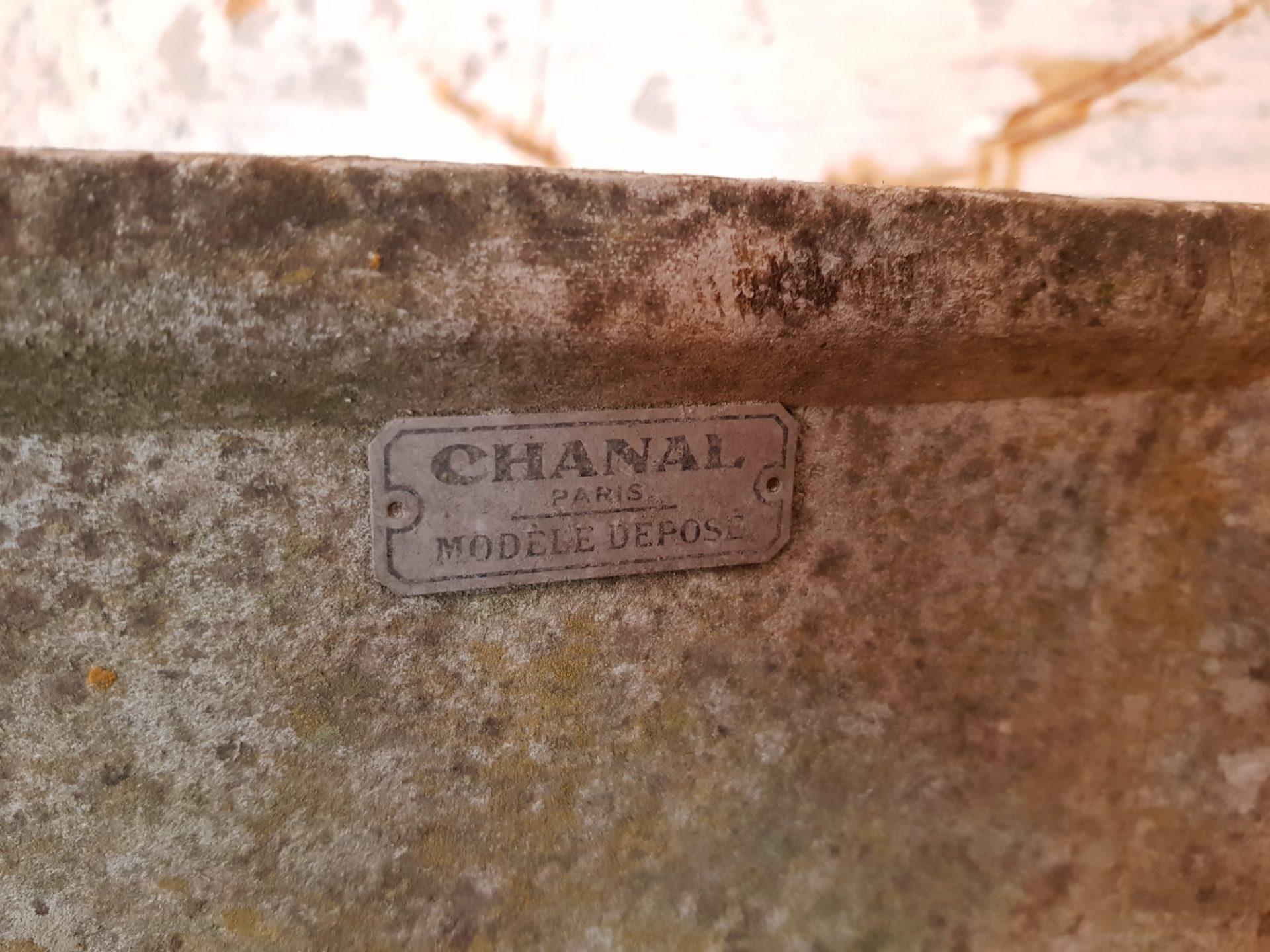 Pair-of-Paris-Fibre-Cement-Planters2