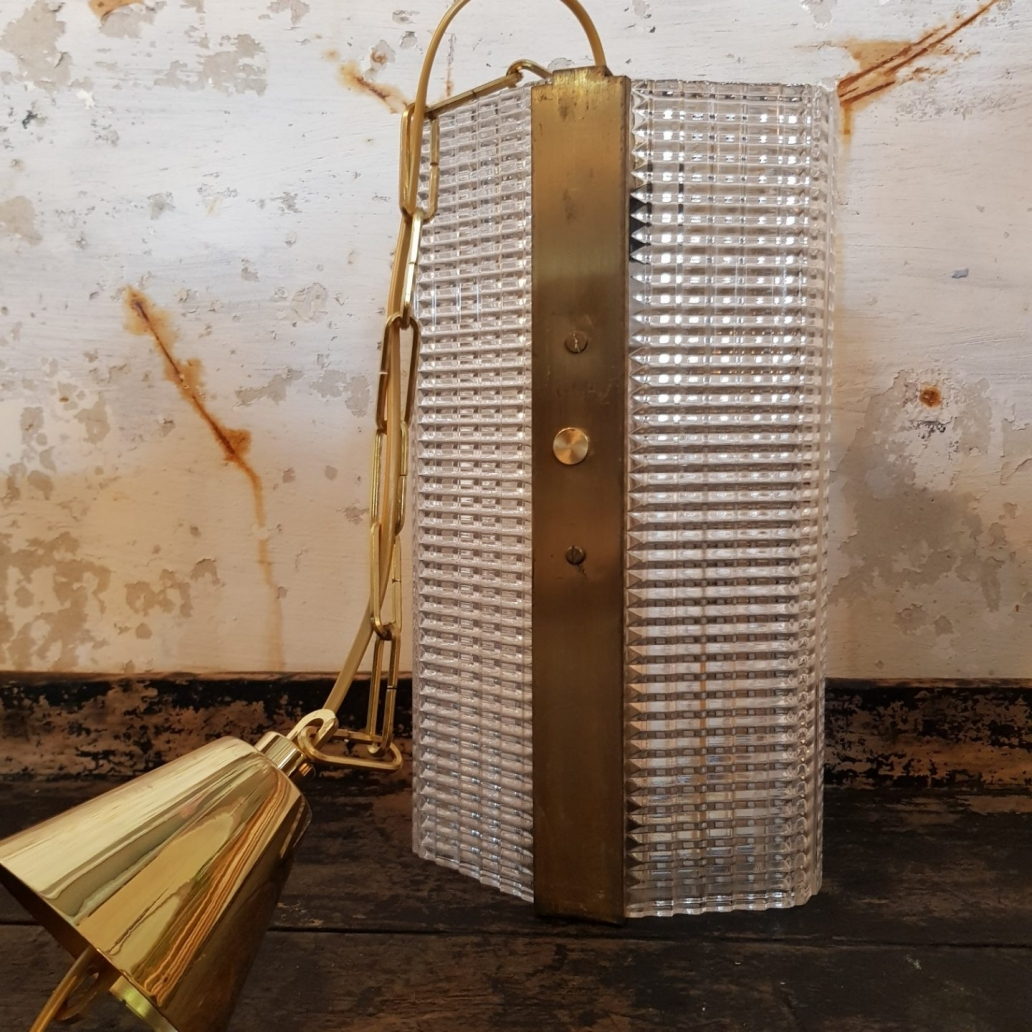 Brass-and-Glass-light2