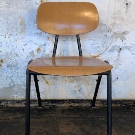 chair-black-legs2