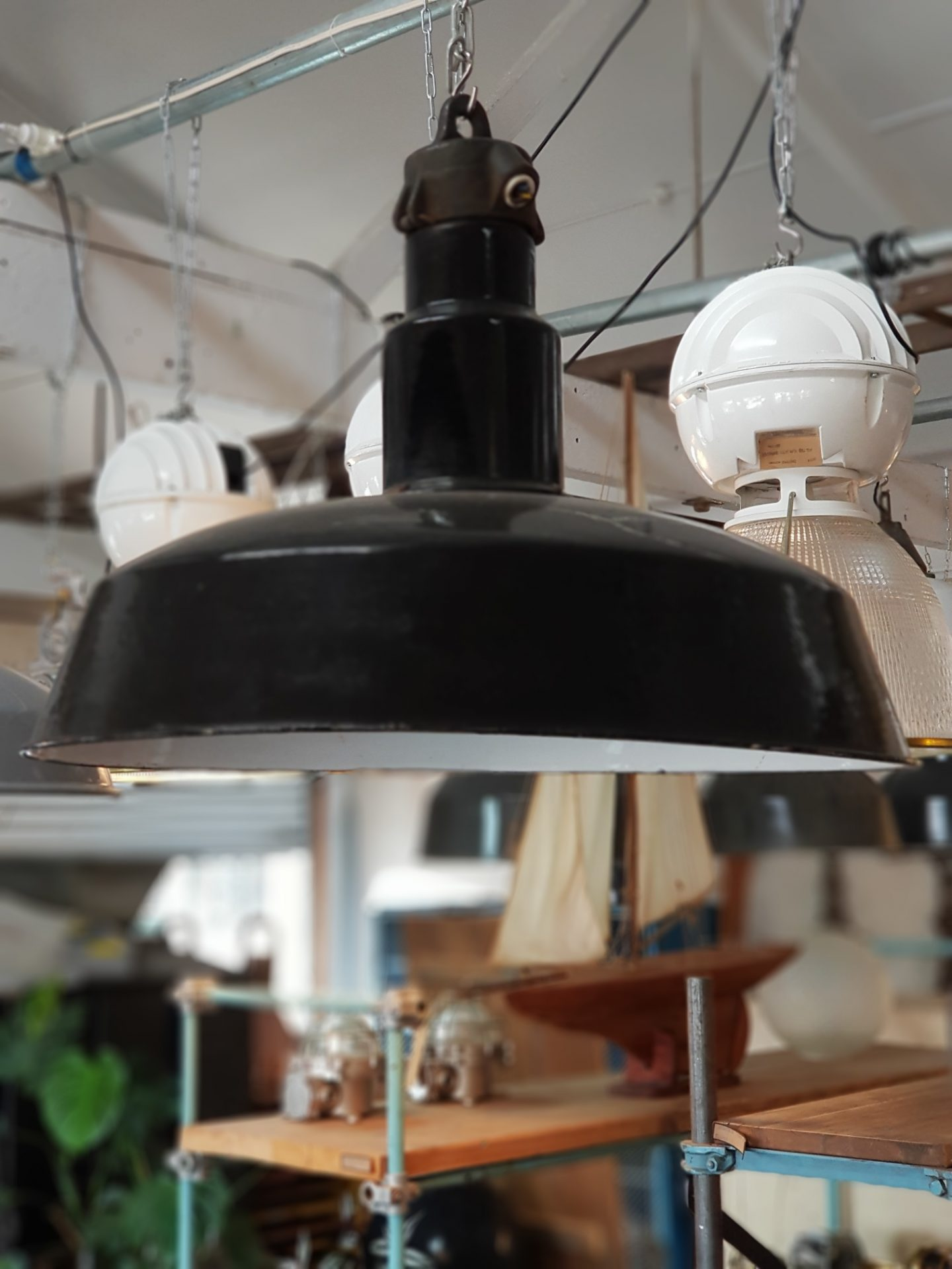 Large-Workshop-Bauhaus-lights-Germany-2