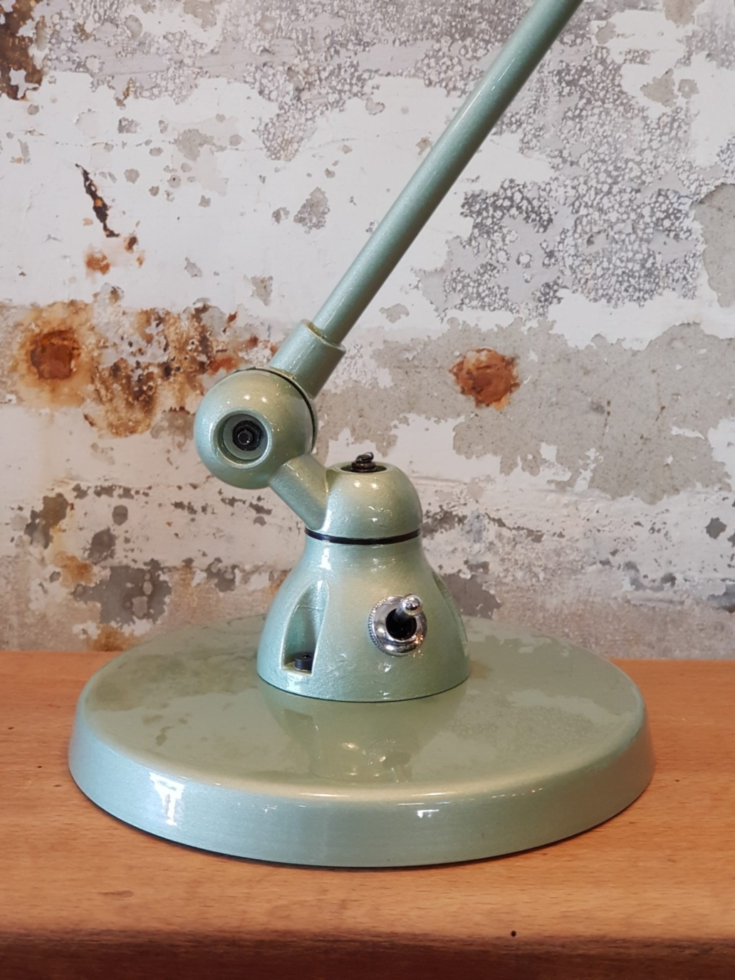 Signal-SI333-Desk-Lamp-Vespa-Green-1