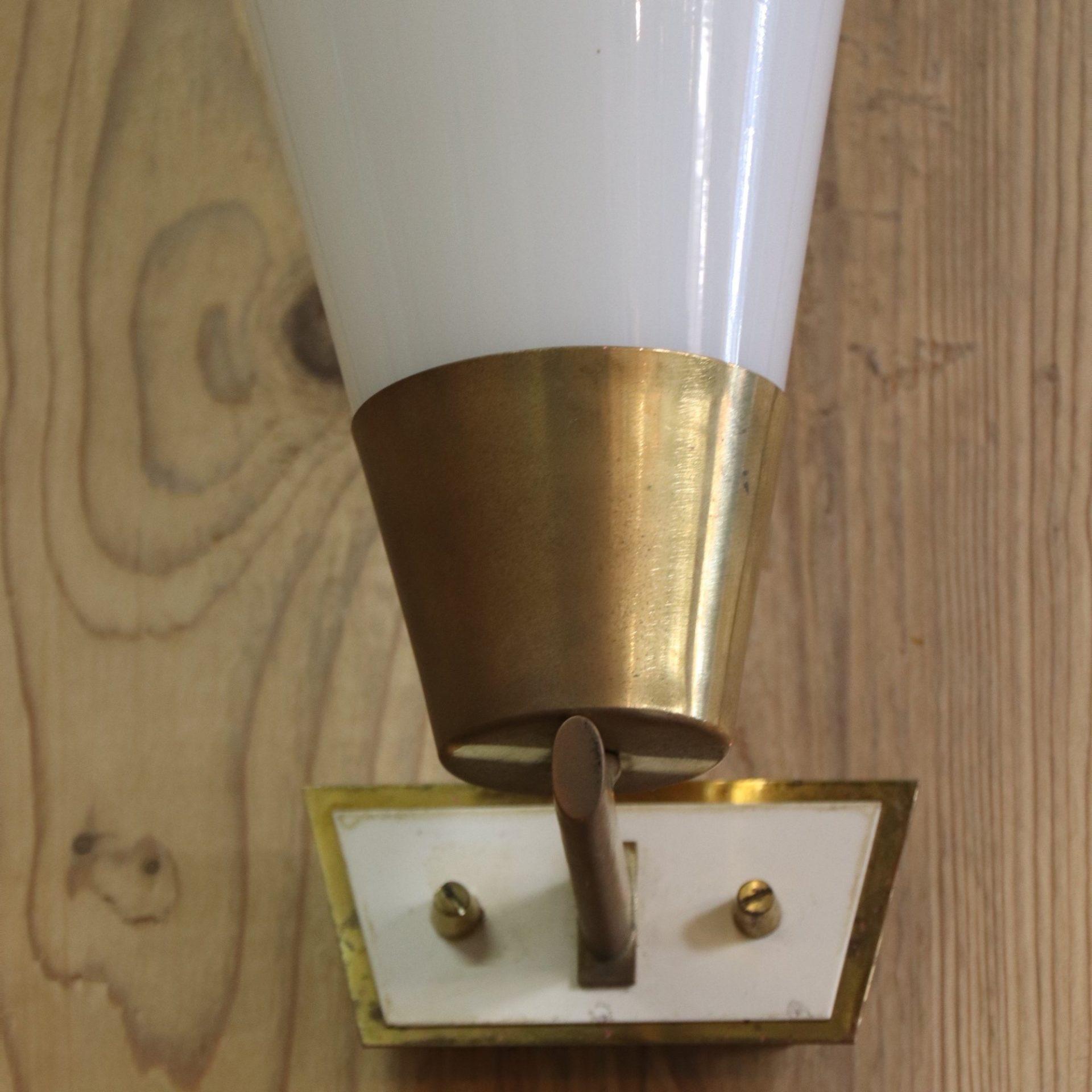 opal-light-1